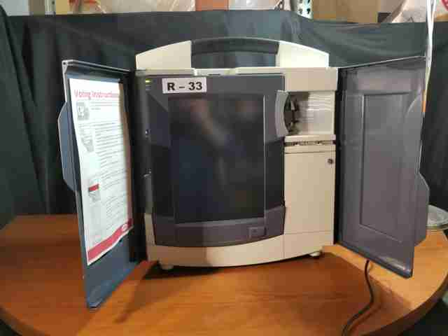 Diebold TSX voting ballot machines w/ carrying cases, QTY: 150
